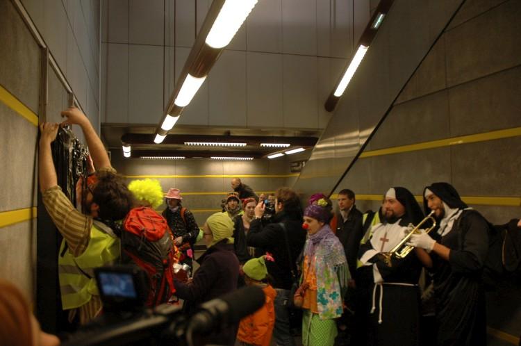 46è action des Déboulonneurs à Lille, février 2012.